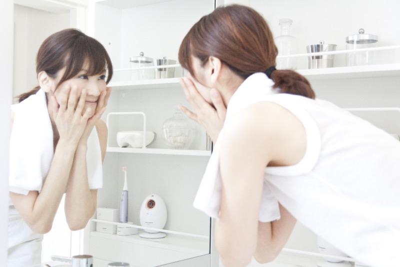 明るくきれいな女性を仕立てる洗面